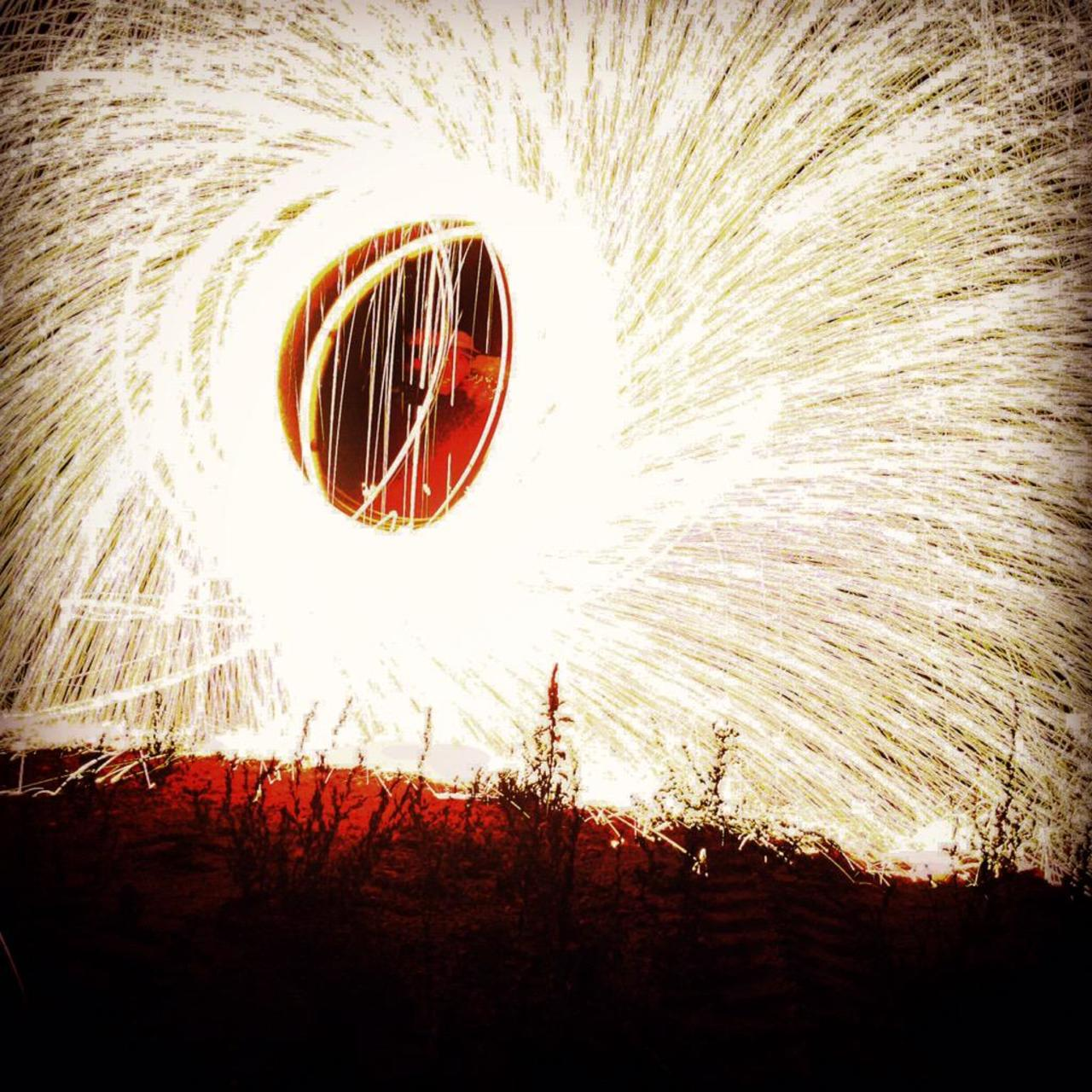 #sunset #lightart #light #P8NocniSvet #iphone #lightdrowing #lightpainting #red http://t.co/f533xJS0mD