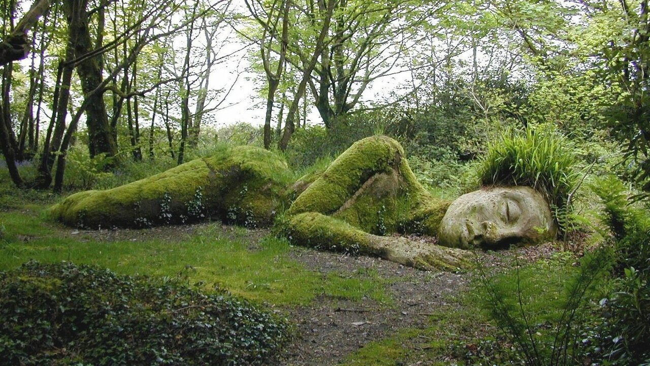 Giant Sculpture at the Lost Gardens of Heligan in the UK #streetart https://t.co/IYET3l3zaZ