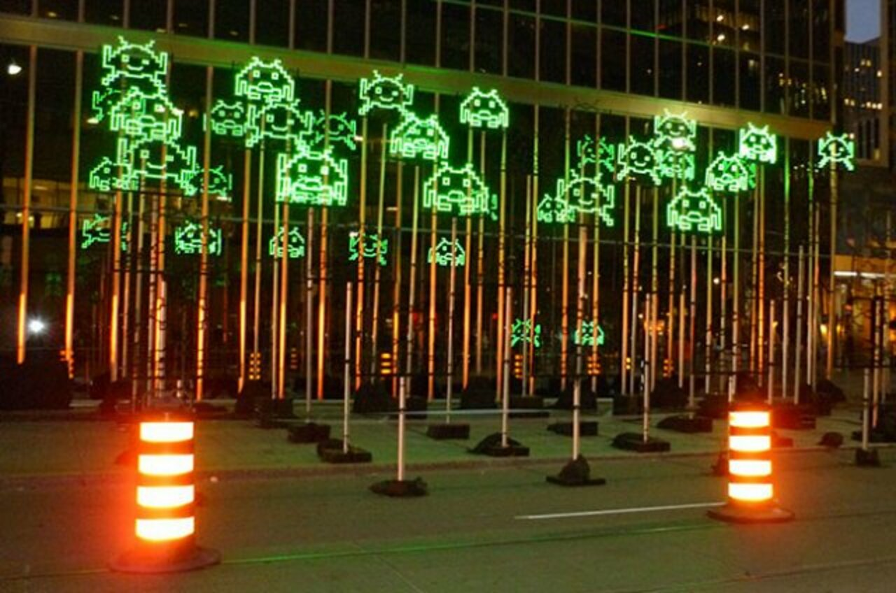 Space Invaders Light Installation, #Toronto • #streetart #graffiti #art #funky #dope . : https://t.co/Wq0P0ziXDy