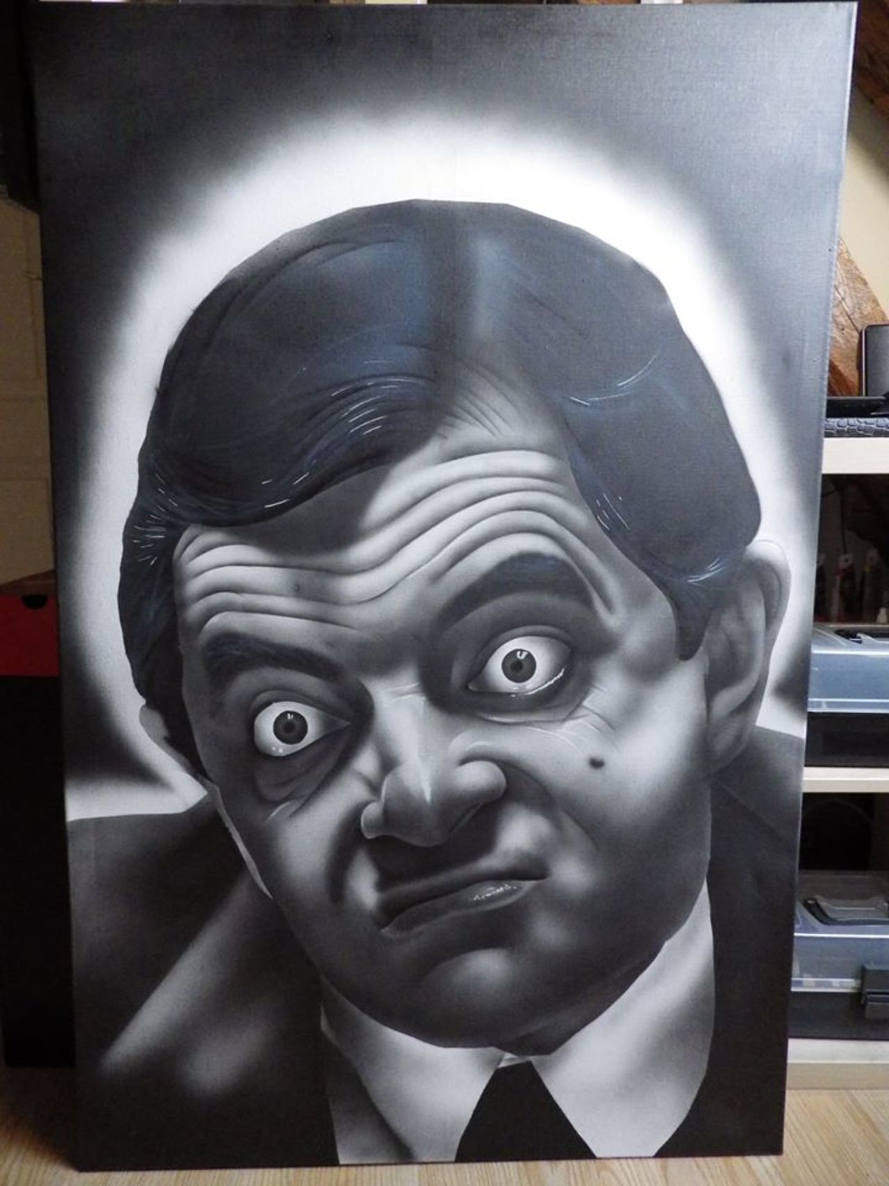 Mr BEAN version Orlinz... #streetart #art http://streetart360.net #MrBean @MrBean https://t.co/QEfQvZqshE
